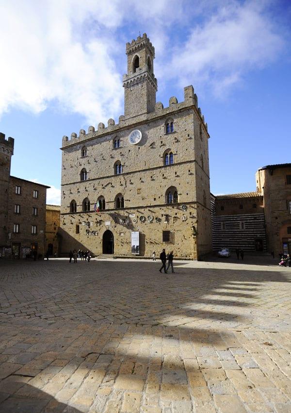 La bellezza di Piazza dei Priori Volterra