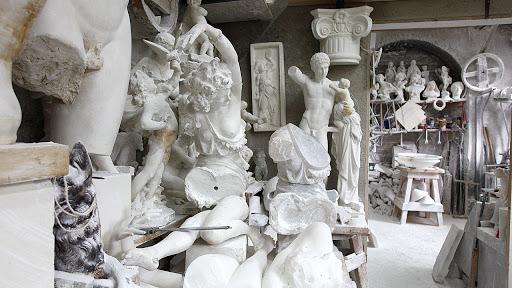 hotel san lino volterra sculture alabastro